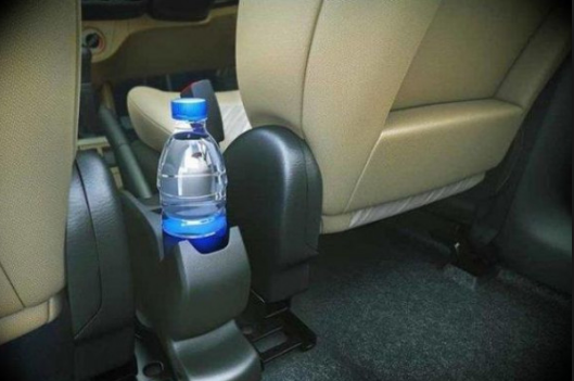 تجنب وضع هذه الأشياء في سيارتك