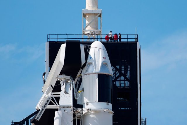 Photo of تابع البث المباشر لإطلاق سفينة Crew Dragon إلى الفضاء